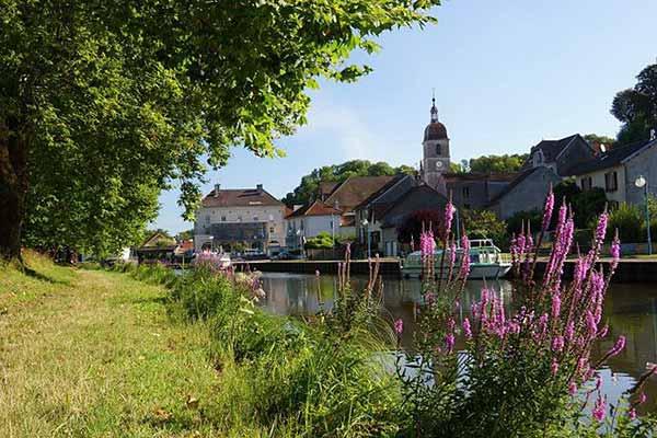 La V50 le long de la Saône à Port-sur-Saône