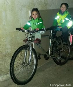 Les enfants de Aude sur le vélo de maman