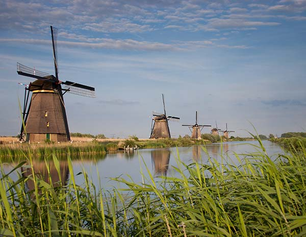 Les moulins à vent de Kinderdijksur l'EV 19
