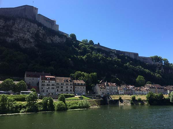 La Citadelle Vauban domine la ville