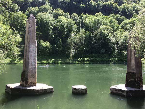 Kayak sur le Doubs le long de l'EuroVélo 6