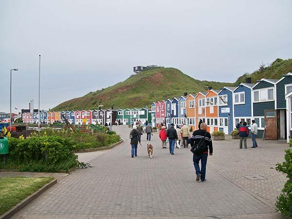 Les maisons colorées de l'île d'Heligoland en Allemagne
