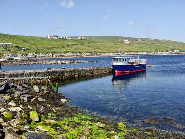 Les paysages sauvages des Îles Shetland sur la véloroute de la Mer du Nord