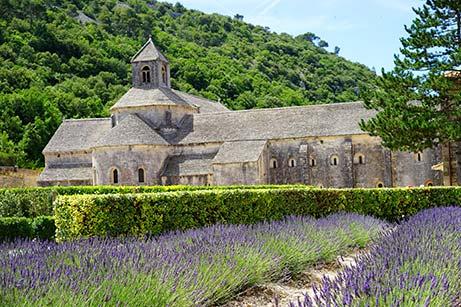 L'Abbaye Notre-Dame de Sénanque à Gordes dans le Luberon