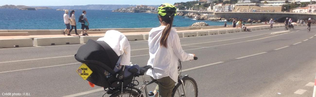Bébé à vélo, test du support cosy Baby Mee de Steco