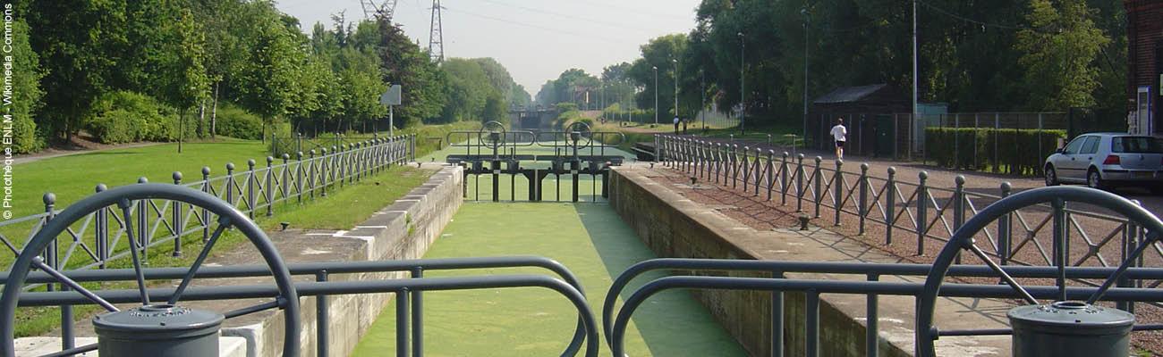 Zoom sur l'EuroVelo 5 : le canal de Roubaix à vélo