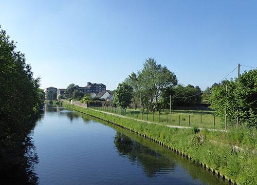 Le Canal de Roubaix à vélo sur l'EuroVelo 5 à Marcq-en-Barœul