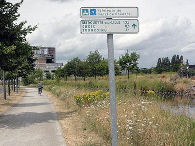 Panneau sur la Voie verte du Canal de Roubaix à Wattrelos