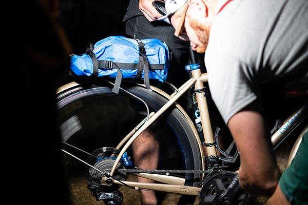 Réparation nocturne pour les artisants du cycle