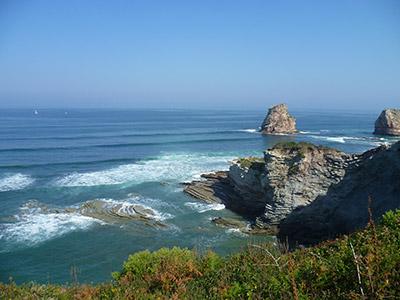 La côte Basque entre corniche et falaises