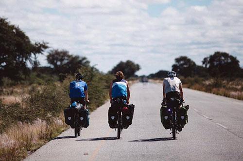 Ortlieb équipe les voyageurs à vélo depuis 1981