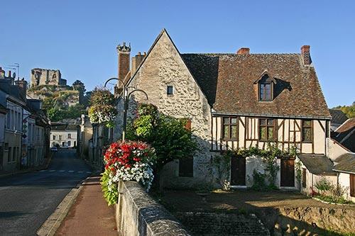 La cité médiévale de Montoire-sur-le-Loir sur la V47