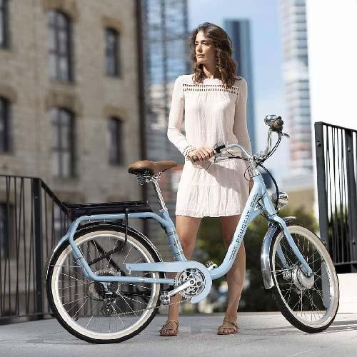 vélo électrique peugeot en ville
