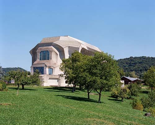 Le Goetheanum sur la Véloroute des Trois Pays