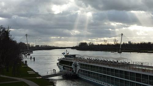 Pont sur le Rhin servant de frontière entre la France et l'Allemagne