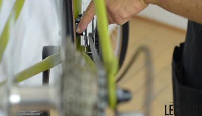 Ajuster la tension du câble de vitesses avant