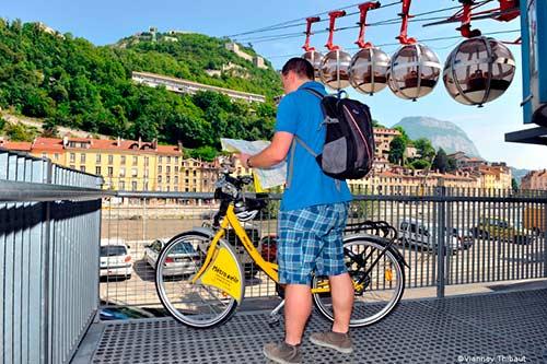 Déjouer la pollution d'une vélo par le biais du vélo, un argument qui devrait encore animer les élections municipales de Grenoble 2020