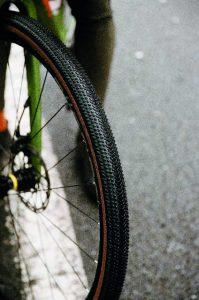 crampon pneu gravel touareg hutchinson