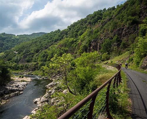 Pont de Chervil dans la vallée de l'Eyrieux