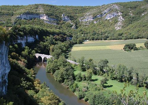 Vue de l'Aveyron depuis St Antonin Noble Val
