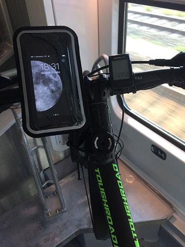 Le support téléphone Shapeheart très utile pour se déplacer, même dans le train