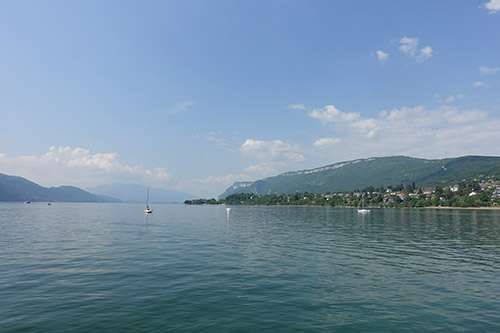 Le lac du Bourget à Aix-les-Bains, départ de la Vallée de l'Isère à vélo