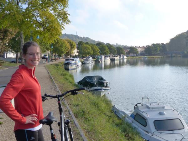 A vélo le long du Canal de Garonne