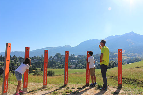 Des viseurs de sommet sur l'itinéraire de la Via Vercors