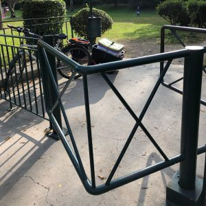 test barrière anti vélo remorque caméléon frei