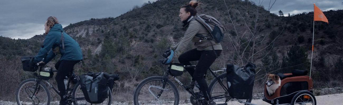 Voyage à vélo avec un chien direction la Nouvelle-Zélande