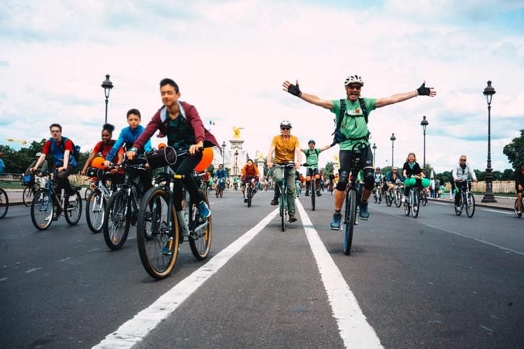 Sortie de groupe à vélo à Paris