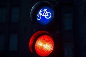 feu rouge vélo priorité piste cyclable