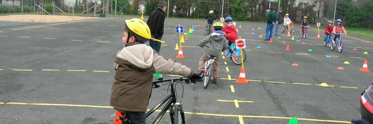 Matériel des vélo-écoles : ici La Rochelle